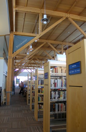 Piso de cima da biblioteca Deschutes