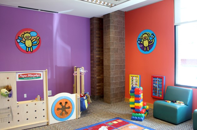 Área de brincar na biblioteca Deschutes