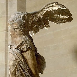 Vitória ou Nice de Samotrácia, Louvre, França